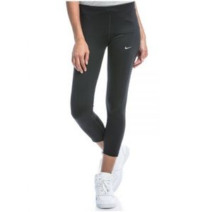 Nike Essential Running Crops